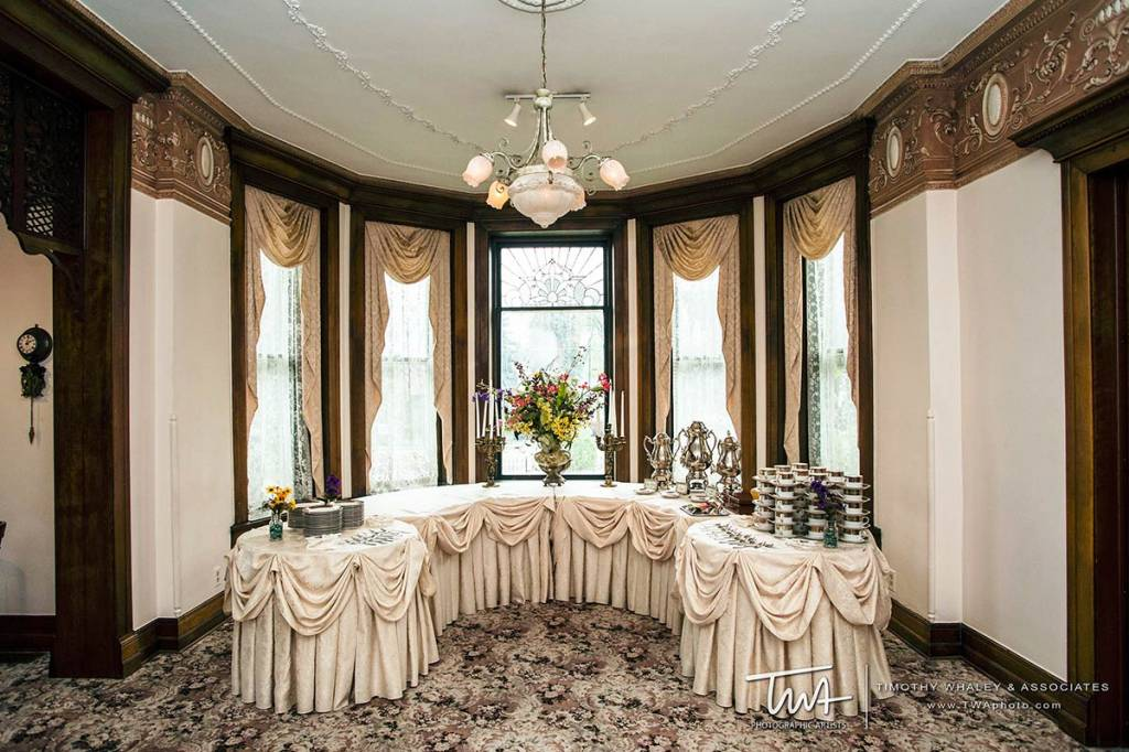 indoor wedding venues with buffet catering
