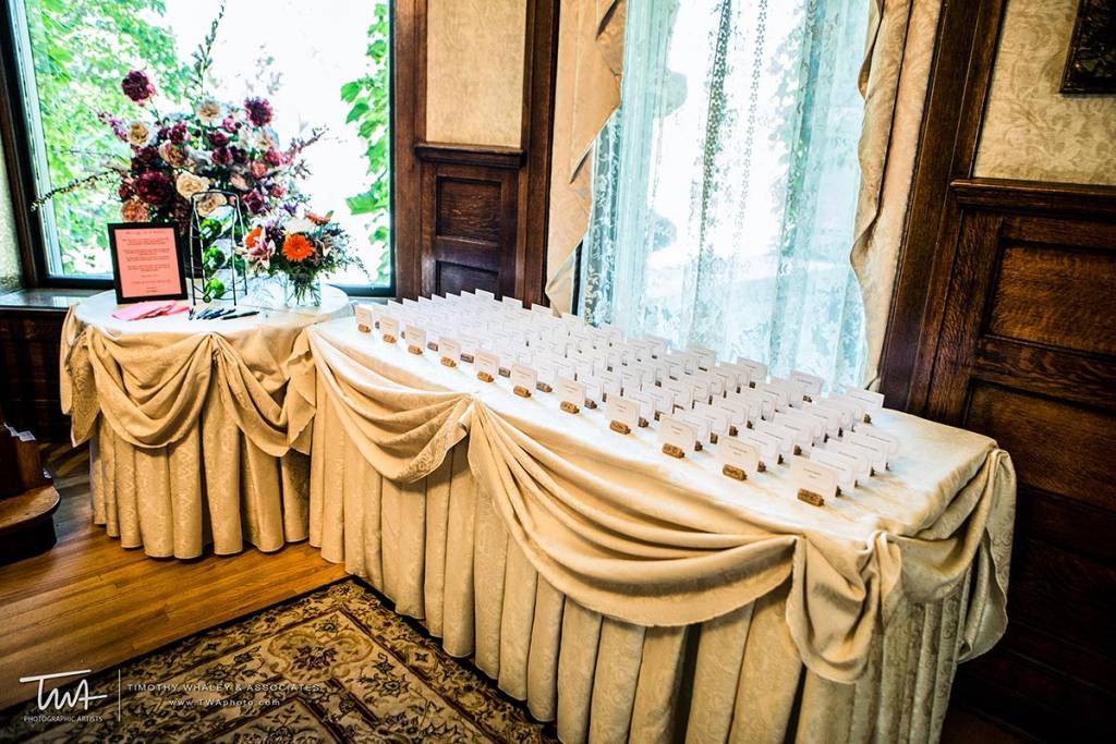 places to have a reception with seating arrangement card tables