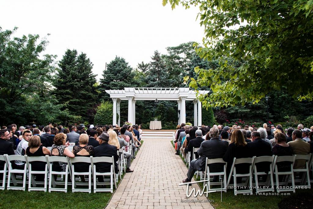 marriage venues that fit a lot of guests