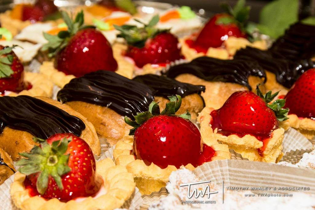 halls for weddings that provide dessert catering