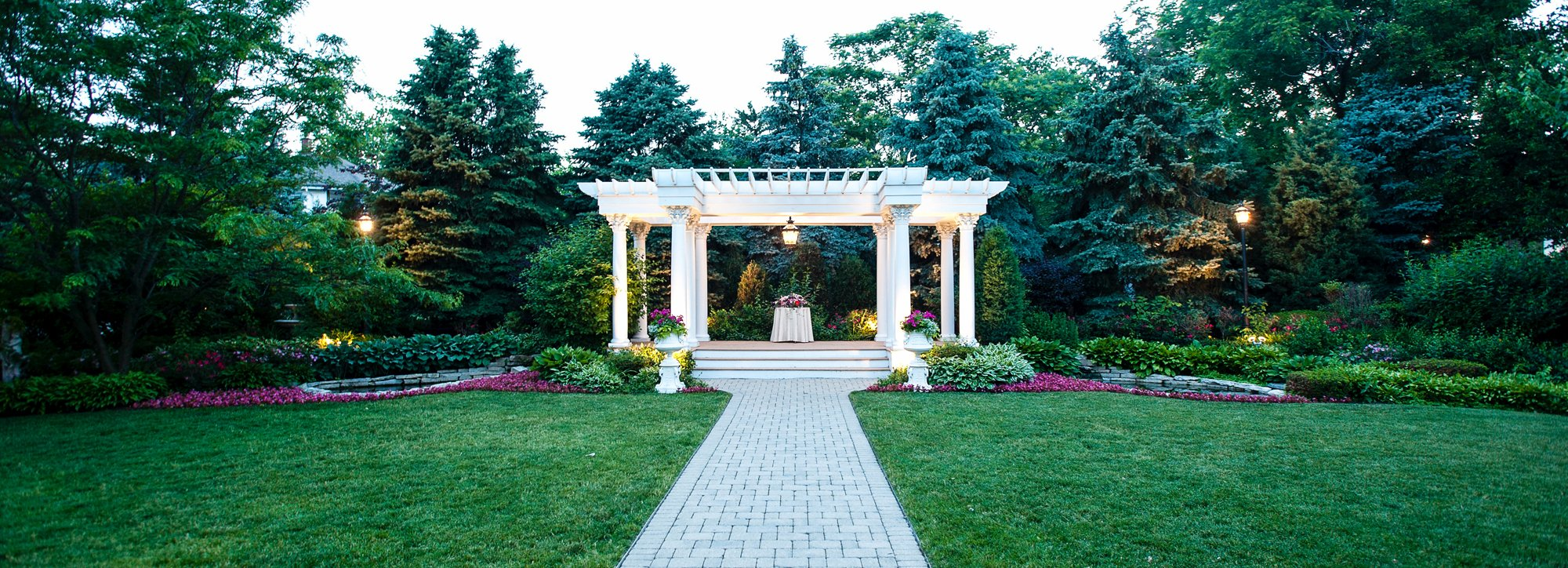 gazebo located outside of the mansion wedding hall
